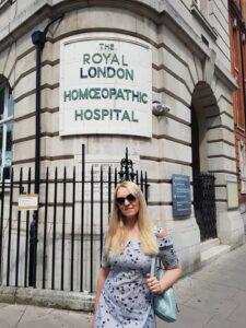 В Королевском Лондонском гомеопатическом госпитале